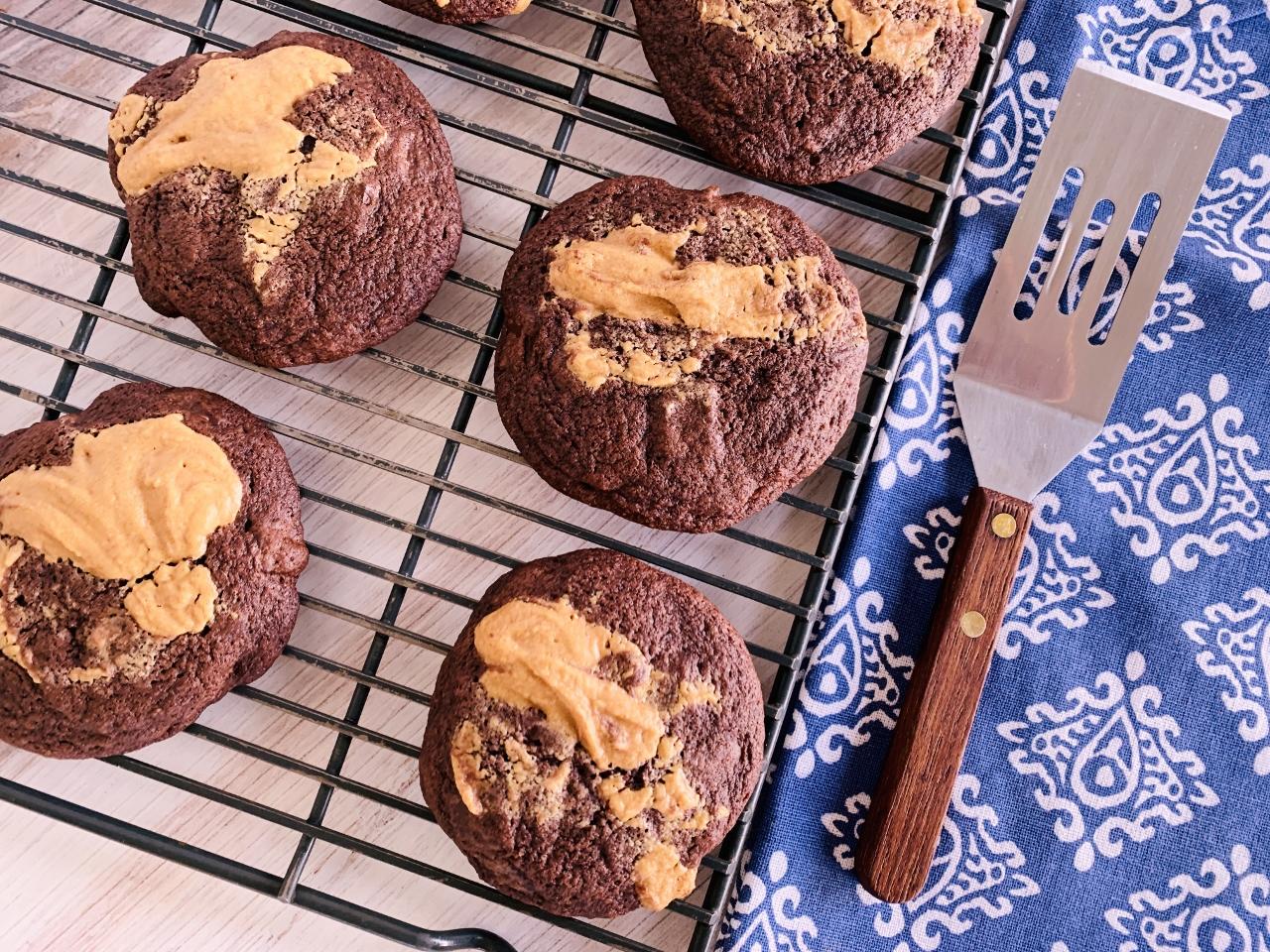Chocolate & Peanut Butter Schmear Cookies – Recipe! Image 2