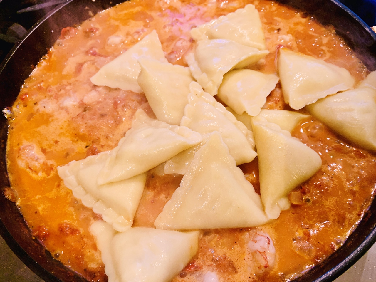 Easy Cheese Ravioli with Shrimp in Pink Sauce – Recipe! Image 5