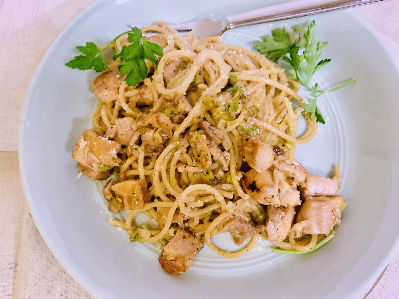 Caramelized Chicken & Green Garlic Pasta – Recipe! Image 3