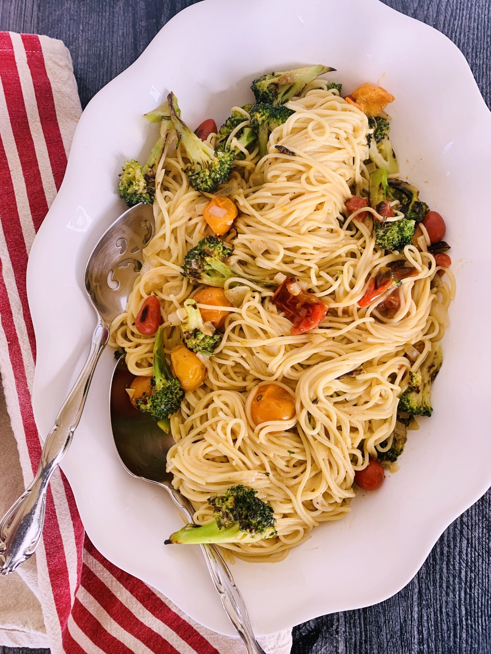 Creamy Vegan Spaghetti with Broccoli & Cherry Tomatoes – Recipe! Image 4
