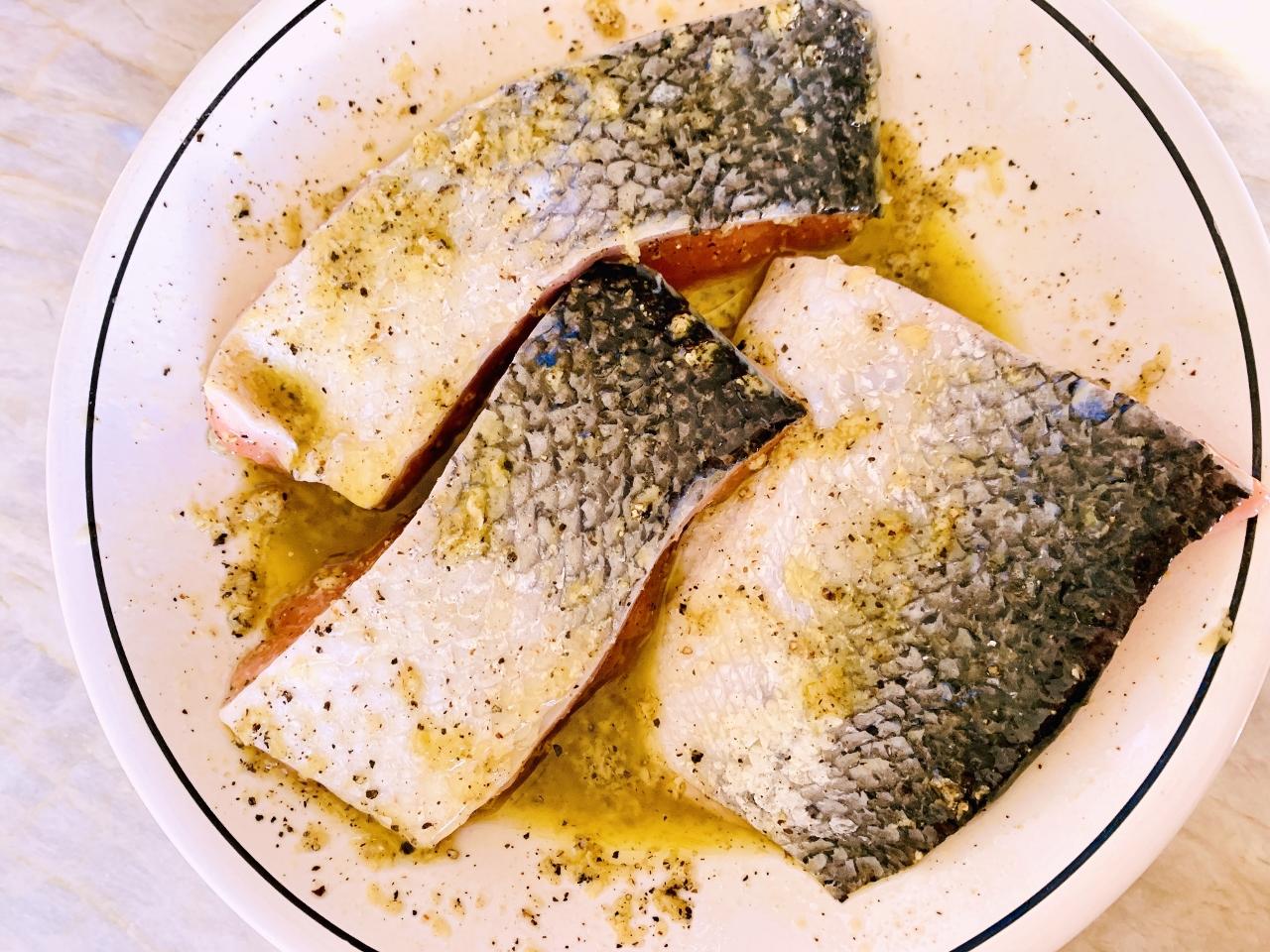 Salt & Pepper Salmon with Roasted Lemony Asparagus – Recipe! Image 3