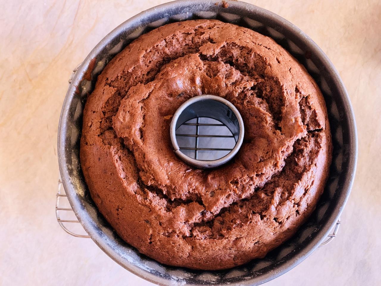 Tennessee Jam Bundt Cake with Caramel Frosting – Recipe! Image 3