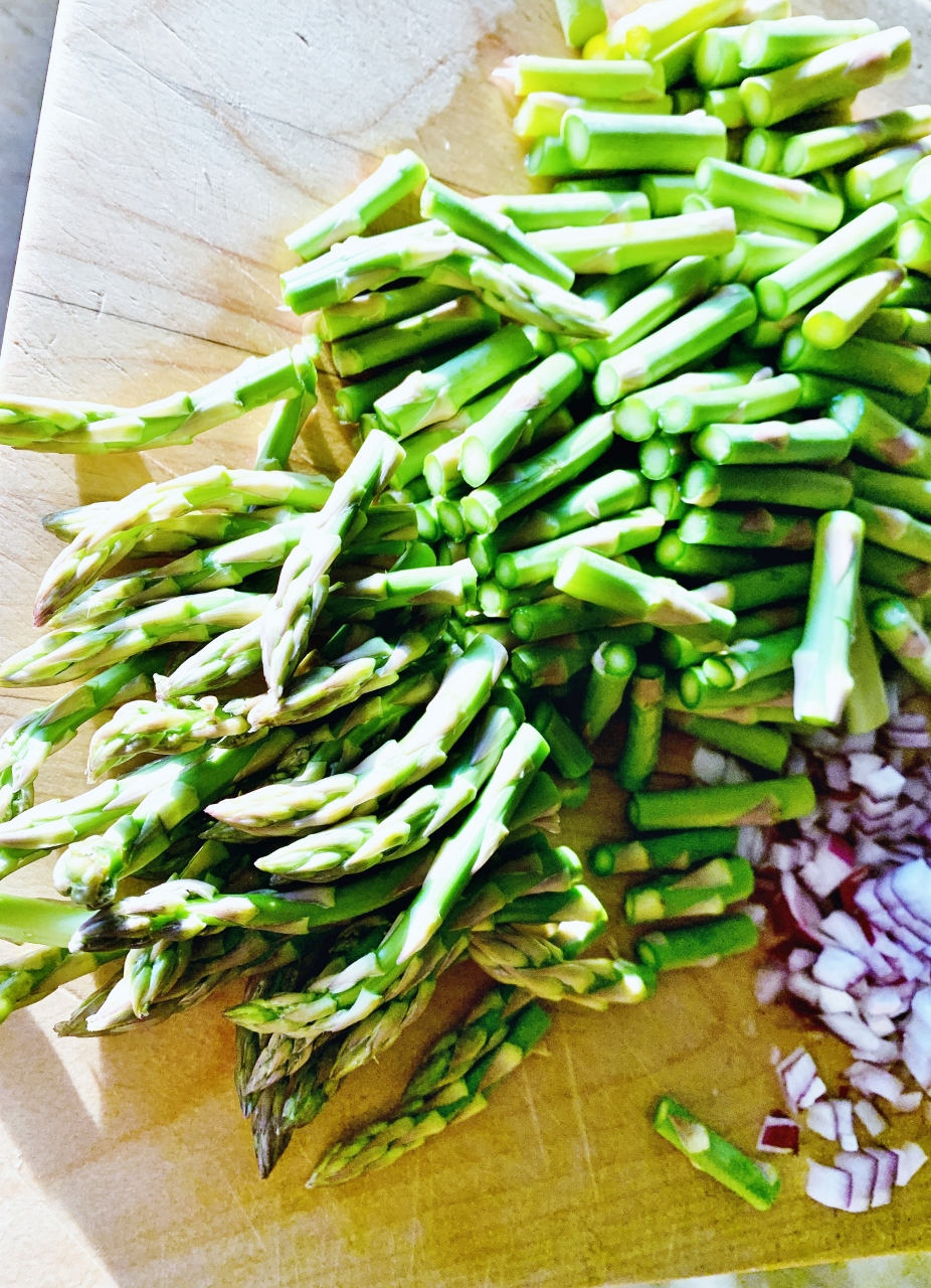Creamy Chicken & Noodles with Asparagus – Recipe! Image 3