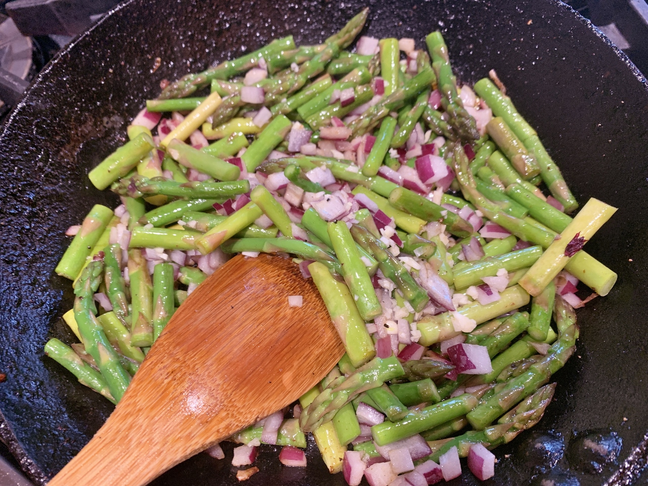 Creamy Chicken & Noodles with Asparagus – Recipe! Image 4