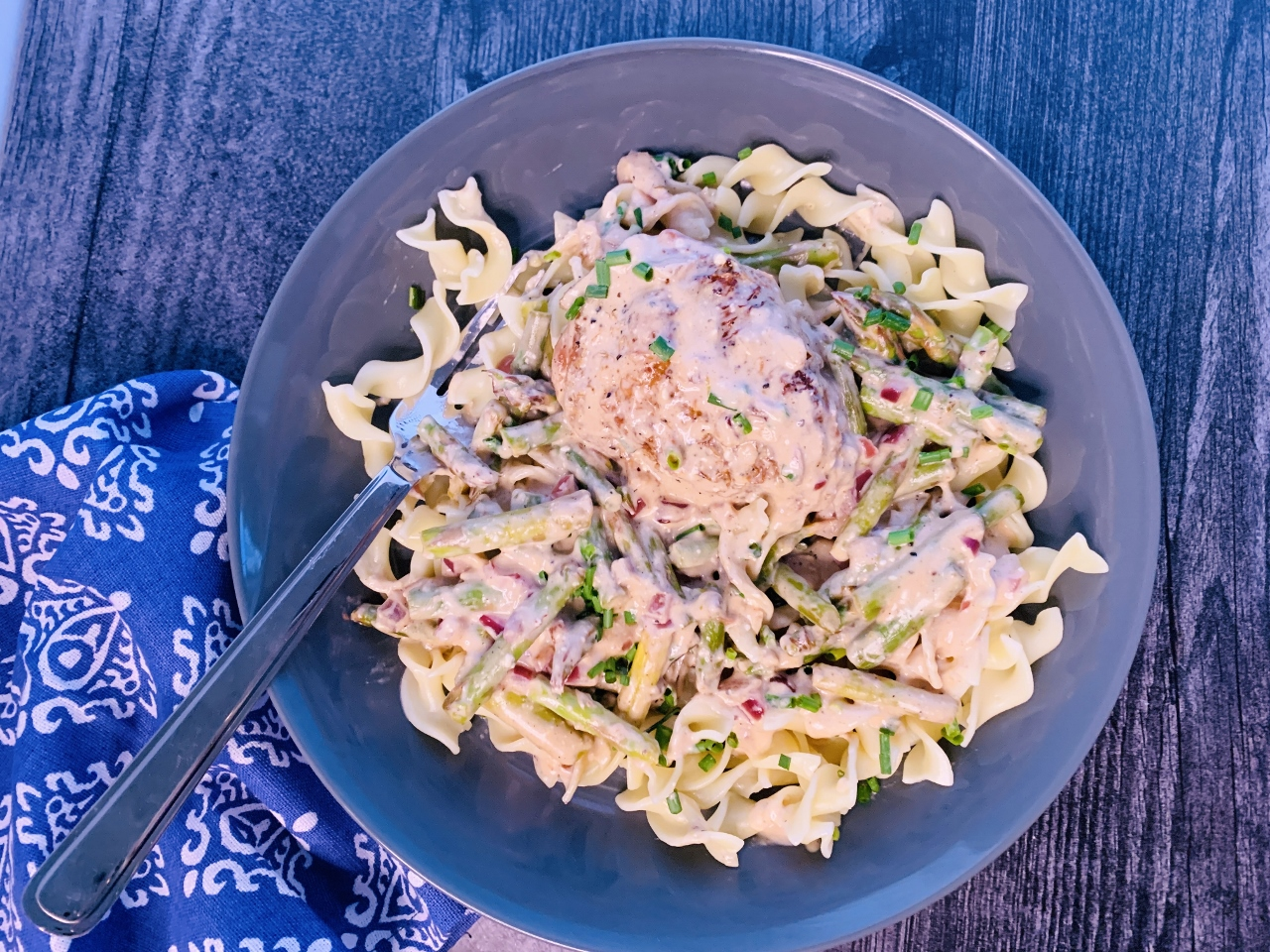 Creamy Chicken & Noodles with Asparagus – Recipe! Image 2