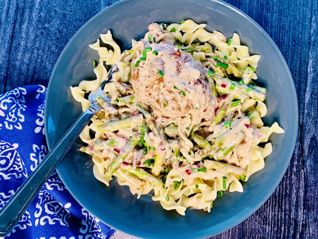 Creamy Chicken & Noodles with Asparagus – Recipe! Image 1