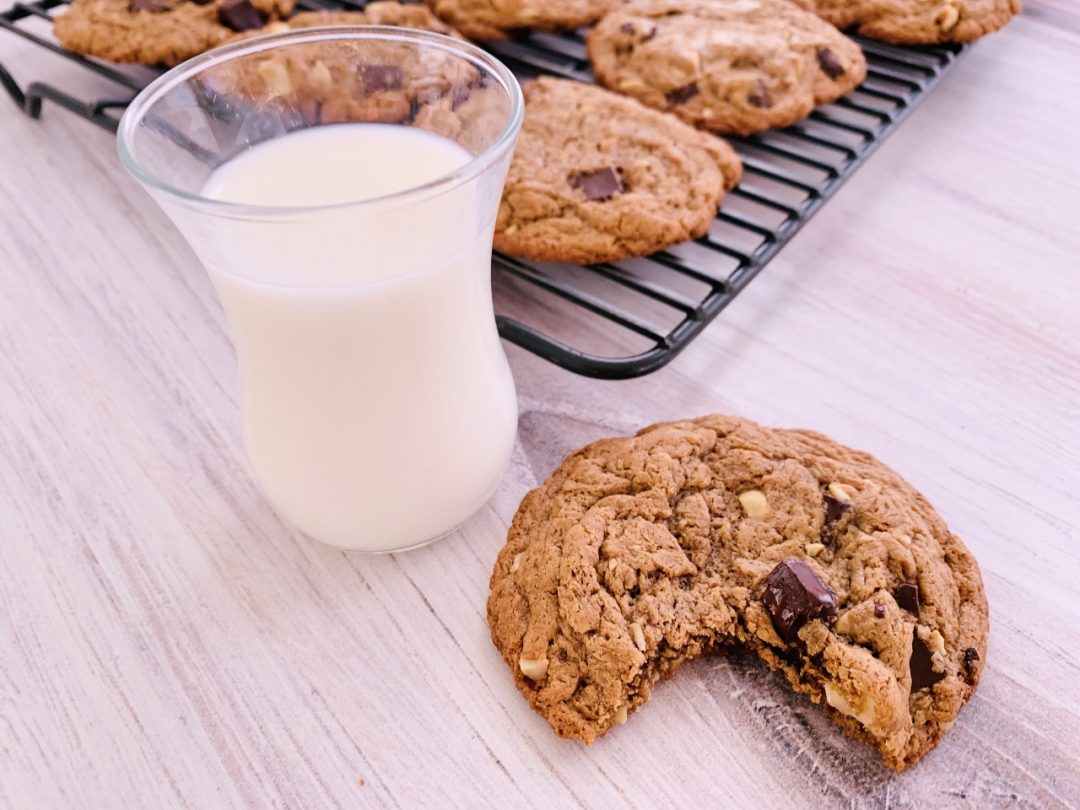Flourless Almond Butter Chocolate Chip Cookies – Recipe! Image 1