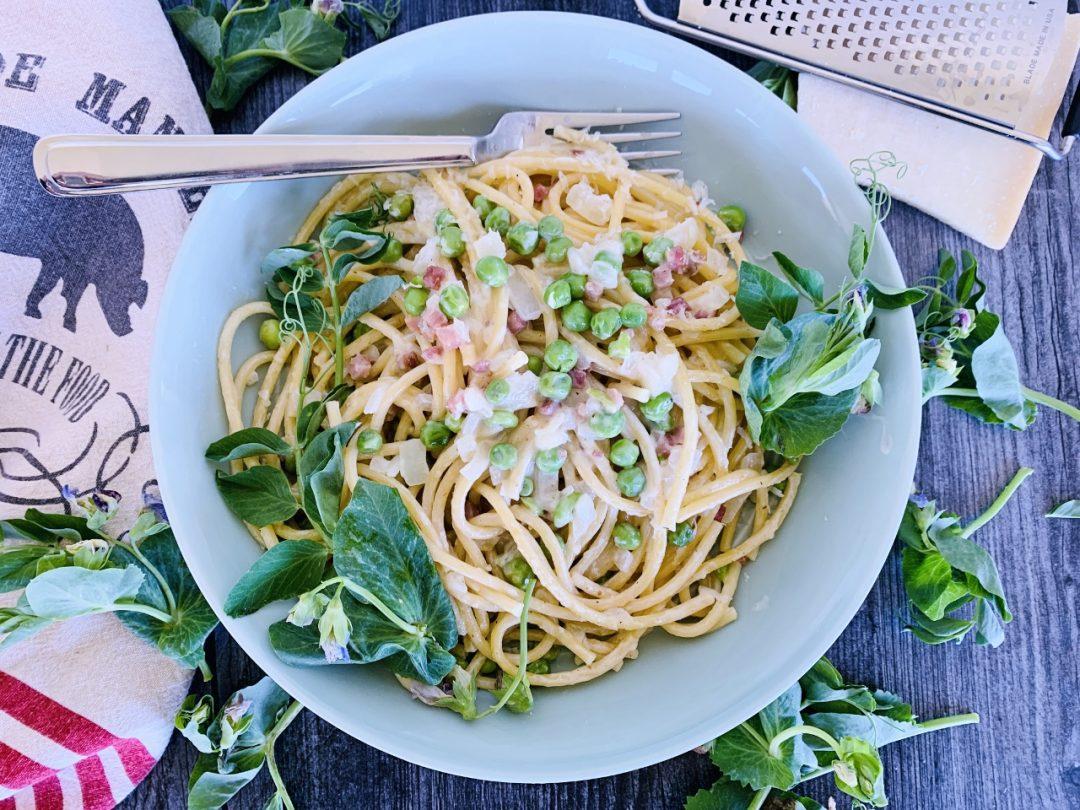 One-Pan Creamy Bucatini with Pancetta & Peas – Recipe! Image 1