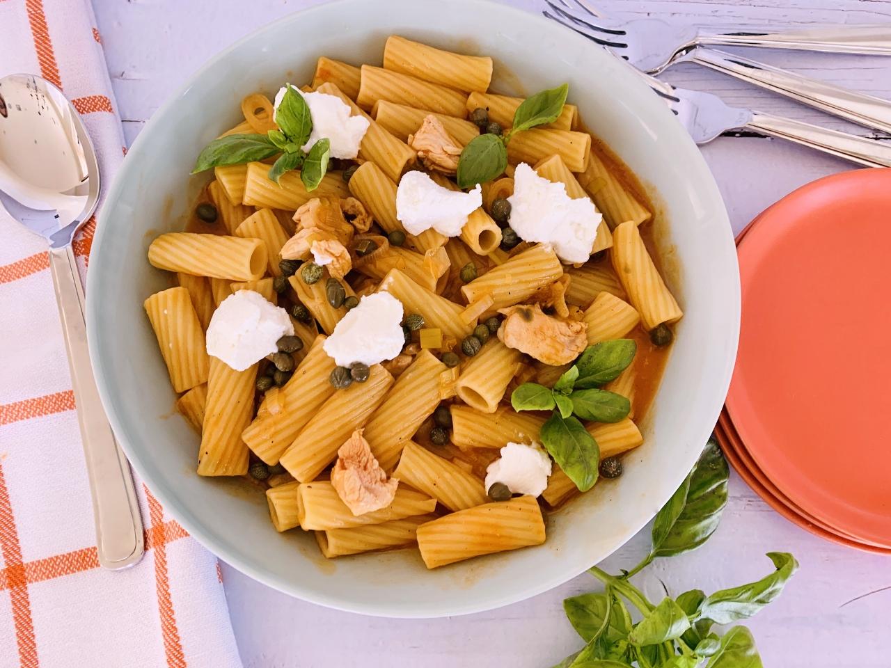 One-Pot Chicken Picata Rigatoni with Creamy Ricotta – Recipe! Image 2