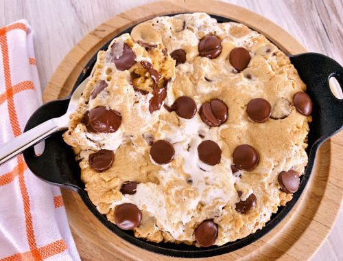 Peanut Butter Chocolate Chip & Marshmallow Pan Cookie – Recipe!