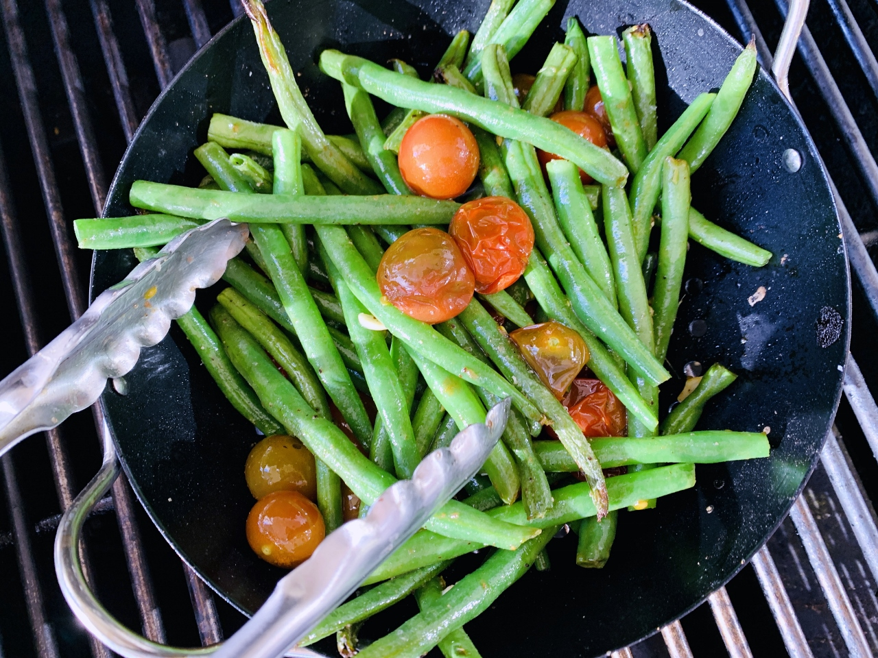 Grilled Garlicky Green Beans & Tomatoes – Recipe! Image 4