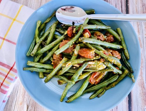 Grilled Garlicky Green Beans & Tomatoes – Recipe!
