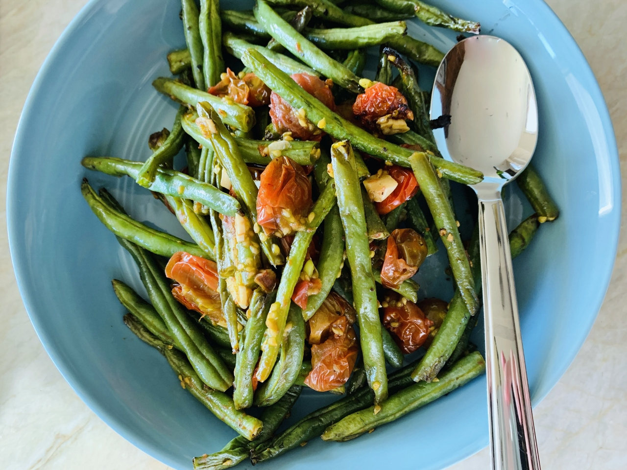 Grilled Garlicky Green Beans & Tomatoes – Recipe! Image 2