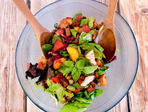 Panzanella Salad with Peaches, Tomatoes & Basil – Recipe!