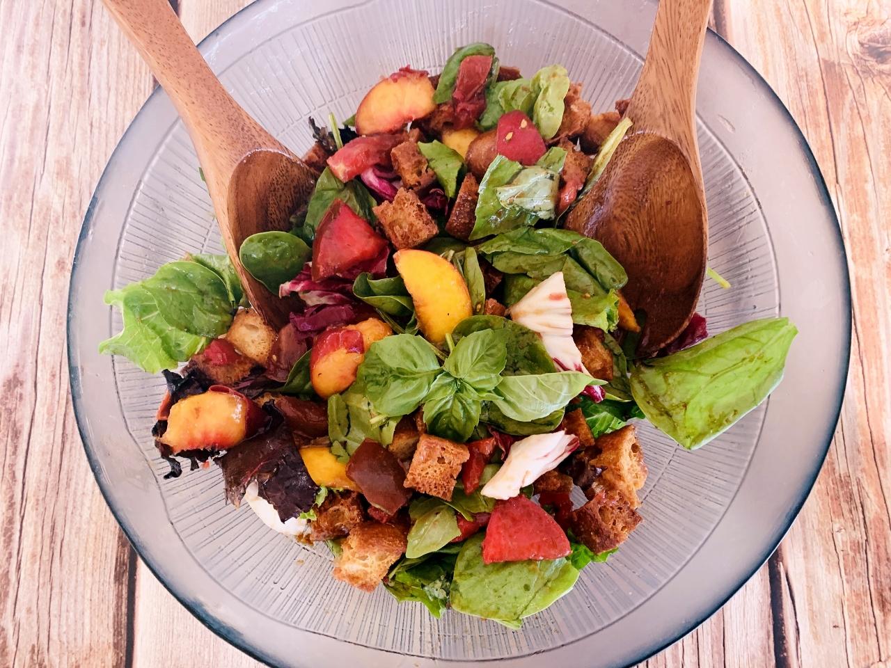Panzanella Salad with Peaches, Tomatoes & Basil – Recipe! Image 2