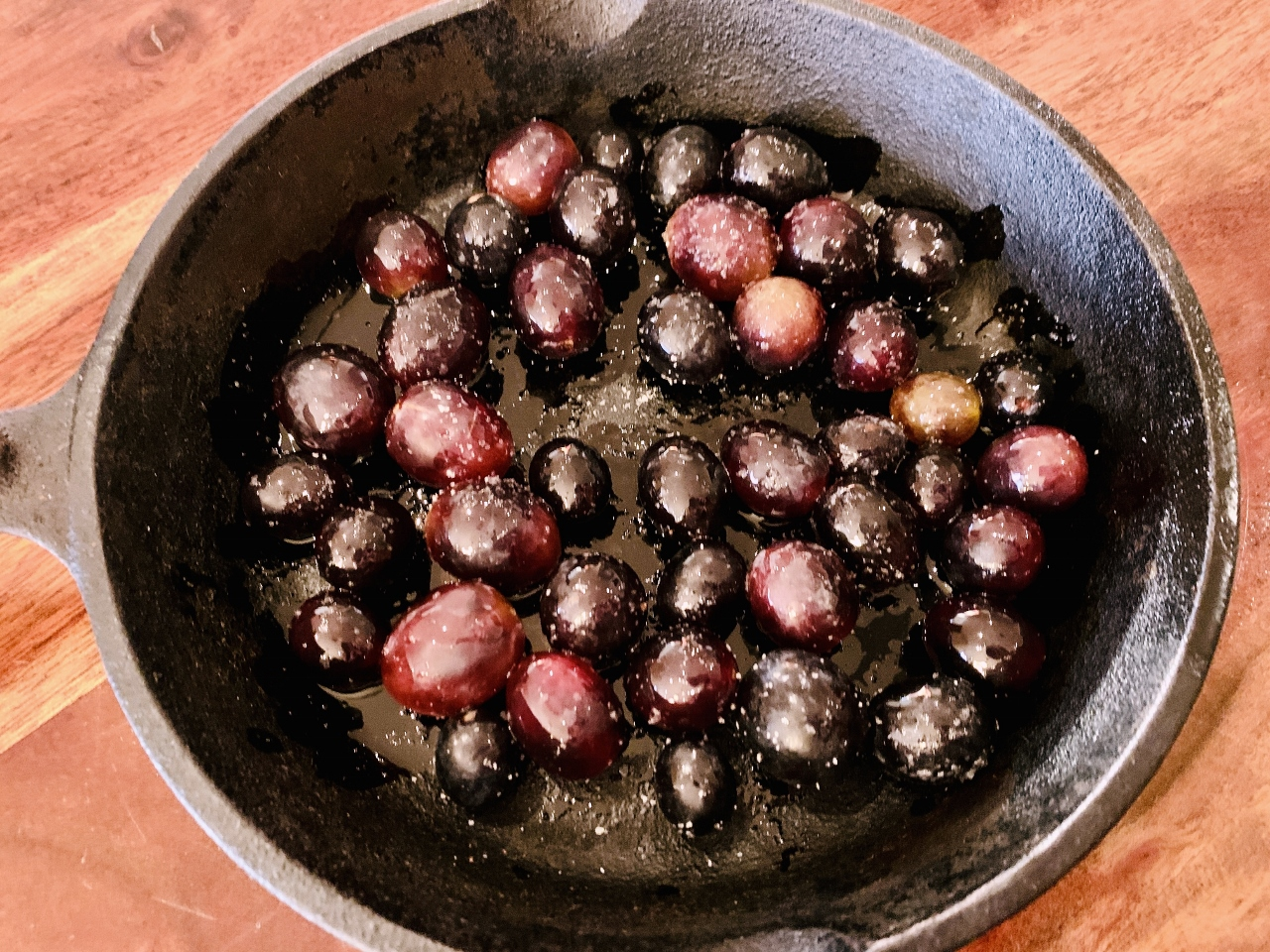 Warm Brie with Honey Roasted Grapes – Recipe! Image 3
